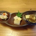 和楽 - 前菜 (鯛の南蛮漬け・高野と出汁巻きと鯛の寿司・豆腐の華オクラのせ)