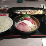 魚貝亭 - 料理写真:焼き秋刀魚定食
