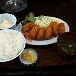 海鮮亭 - 料理写真:カキフライ定食(全体像)