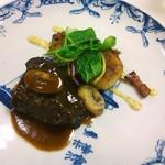 54891568 - 国産牛頬肉の赤ワイン煮 ポテトのリヨネーズ風