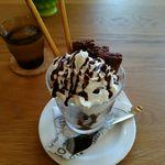 テッサイ - チョコレートパフェ 750円
