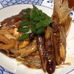 54897087 - 天然鯛のあら炊き。最強の味です。