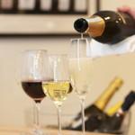 カステロ ビアンコ - ソムリエを持つシェフがお食事に合ったワインをお選びします!