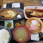 福浦漁港 みなと食堂 - サービス定食