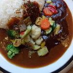 マルゼンカフェ - 早矢仕とカレーの2色ソースライス 1220円 + ライス大盛 150円 + 彩り野菜 200円