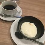 レストラン マルヤマ - ランチデザート:ブランマンジェ