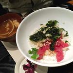 和カフェ yusoshi chano-ma - マグロと韓国海苔のねばとろどんぶり