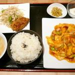 桂林米粉 山水家 - 海老チリ卵定食¥780。ボリューム満点で苦しいほど!夕飯の主食は抜きました(^_^;)。コスパ最高です!