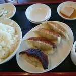 南京亭 - 餃子定食