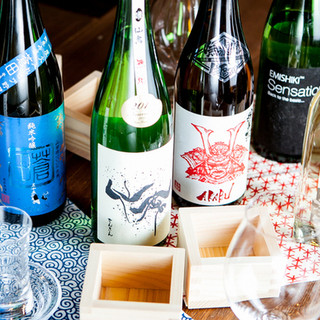 厳選した日本酒を常時90種類以上!時間無制限飲み放題実施中◎