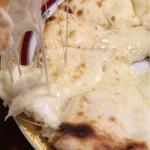 ミヤギディレストラン - チーズナンリフト