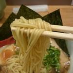麺屋 燕 - 燕風煮干ししょうゆ大盛、海苔トッピ