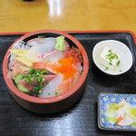 清水港 - 清水港:日替わり定食(海鮮十種丼)