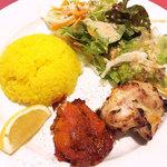 インドレストラン ガンジス - まずはチキンとサラダ&ライス! d(^_^o)