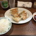 ぎょうざの店 黄楊 - 料理写真:ぎょうざとライス(小)