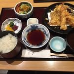銀座 天一 - 天ぷら膳(梅)2,160円 これだけあれば十分に満足です。たいてい天ぷらは食べ過ぎると後悔しますから。(自戒を込めて)