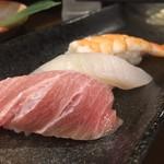 54924717 - カウンターで握り寿司