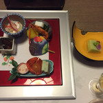 54929913 - 先付・枝豆胡麻豆腐、前菜・海老生ハム巻き、ほおずき琥珀玉子、のし鶏  等
