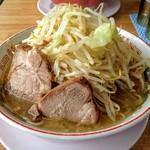 肉汁らーめん 公 - らーめん(中) 野菜増し  750円