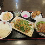 54935592 - 青椒肉絲定食
