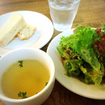 バダローネ - サラダ&スープ&フォカッチャ!