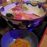 たらじさびら - 料理写真:海鮮丼と生うに
