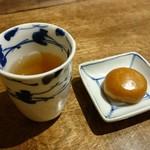 松の實 - 番茶、饅頭
