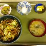 だるま亭 - 野菜入り焼肉丼  800円