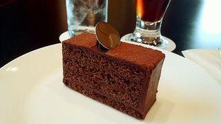 ピオニー - ケーキセット(コーヒー 又は 紅茶)(税込1080円)のチョコレートケーキ