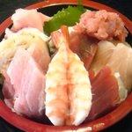 5495518 - 海鮮丼(並)