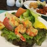 Jpark Island Resort & Waterpark - 料理写真:エビいっぱいのサラダ