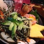 廻鮮漁港 - 料理写真:海鮮丼(980円)を頂きました。