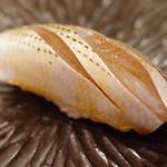 鮨舳 - 小鰭