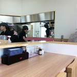 はじめ製麺所 壱 - 調理場方面〜( ´ ▽. ` )ノ