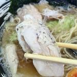 はじめ製麺所 壱 - 鶏ムネ肉チャーシュ〜( ^ω.^ )v