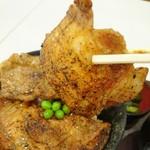 豚丼のぶたはげ - お肉のアップ♡
