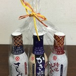 マルキン醤油記念館 売店 - さしみしょうゆ・かき醤油・特選丸大豆しょうゆのセット(200ml 3本 799円)