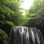 54966103 - 滝キラキラ