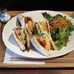 喫茶 オモカゲ - きまぐれサンドイッチ(\950)