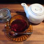 喫茶 オモカゲ - きまぐれサンドイッチ(ホットの紅茶)