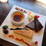 MIRAI restaurant&cafe - クレームブリュレ、ベイクドチーズケーキ、スティックショコラ(パスタランチのスイーツセット)
