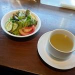 MIRAI restaurant&cafe - サラダ、スープ(パスタランチの付属)