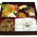 潤 - サービス弁当<洋風>焼き肉 昼:670円 夜:700円