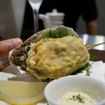 串揚げ 串の実 - 男鹿産岩牡蠣。