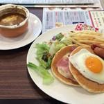 ジョナサン - BLTEパンケーキ+オニオングラタンスープ、¥905