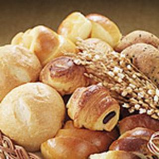 セゾンで大人気自家製プチフランスパン