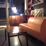 ワンハンドレットクラブ - テーブル、ソファーでゆっくり