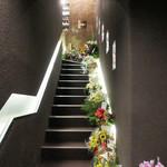 54996321 - この階段から2階へ