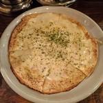 代々木ミルクホール - パイピザ(チーズ!チーズ!チーズ!)
