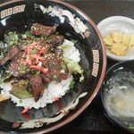 炭火焼肉 敏 - カルビ丼680円(税込)